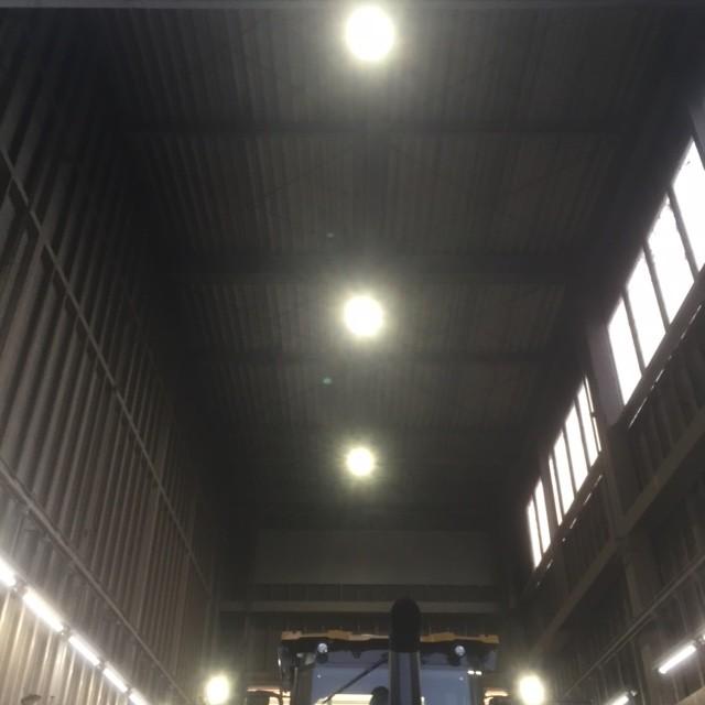 建設機械レンタル・販売会社LED化工事