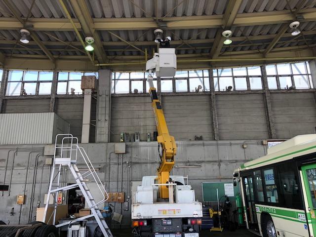 バス整備工場器具交換